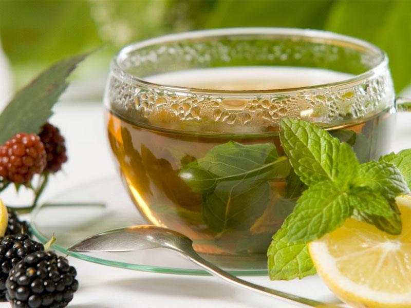 trà xanh chữa cháy nắng