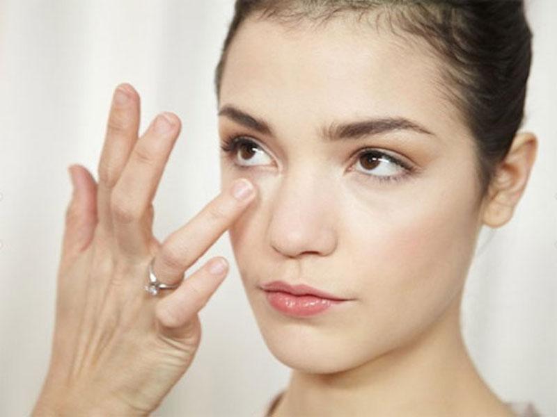 dùng retinol cho da dưới mắt