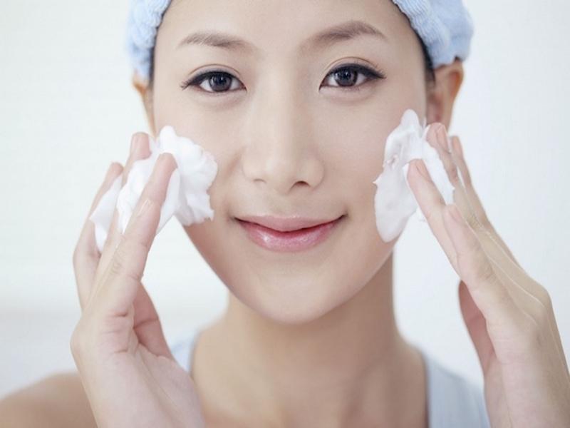 Những sai lầm cần tránh khi rửa mặt để không gây tổn thương da