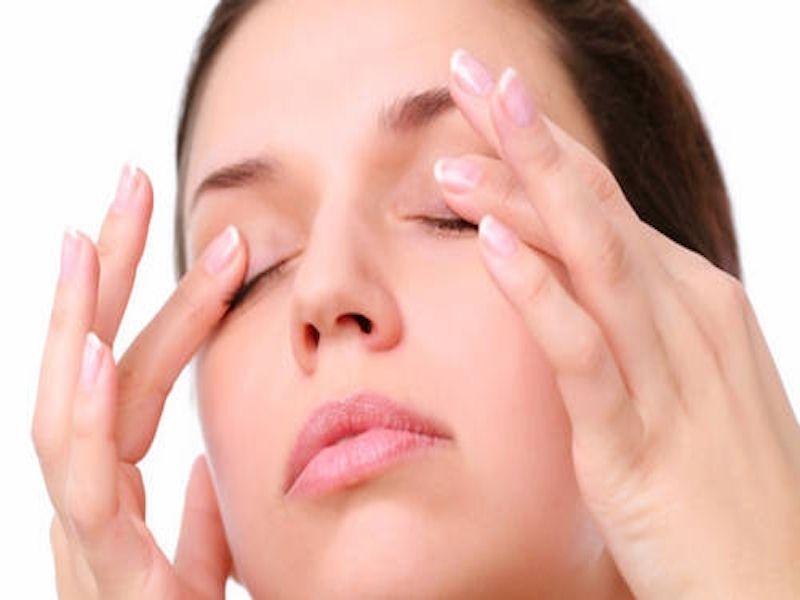 massage-cho-mắt-compressor